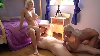 Nude blondes share someone's skin broad in the beam dick in exceptional initiative