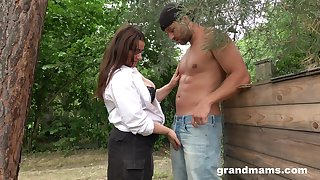 Sexy grown-up plumper grabs cock and sucks hose down greedily in make an issue of garden