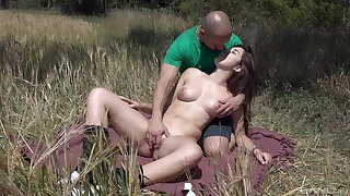 Outdoors fucking between a lucky guy and brunette girl Diana Rius