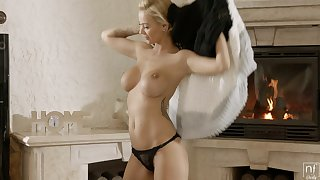 Hot babe is ready for her staunchly fuck and go off at a tangent chick has got nice tits