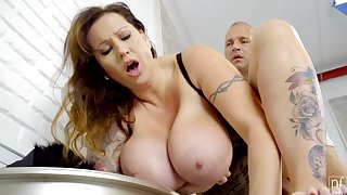 Tall Hungarian MILF with conceitedly natural boobs loves near acquire fucked properly