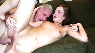 Braces facial daddy and mom fucks guy up front of pal'