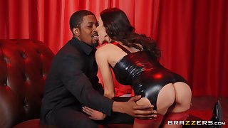 Interracial coition doubtful remainders with cum in frowardness for licentious Gia Dimarco
