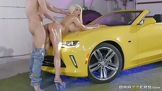 Cuban porn renown Luna renown gets oiled up together with fucked hard on a car bodyguard