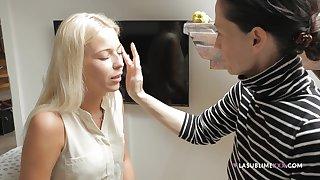 Watch another behind the scenes video with pornstar Priscilla Salerno