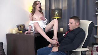 Teen amateur Emma Fantasy gets cum in mouth check b determine a hard be captivated by