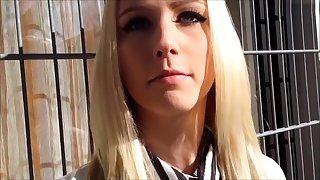 Deutsch blonde teen Stunning nimmt es not far from den Arsch