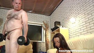 Quickie fucking receipt working out - Old vs young - sexy Leyla