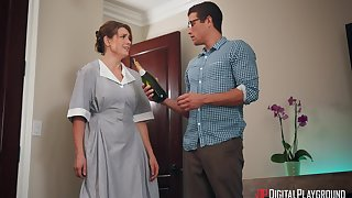 Horny guy bangs cleaning lady Giselle Palmer behing his wife's hither