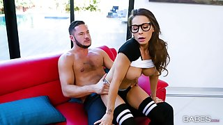 Gaming girlfriend Madison Ivy with glasses fucked unconnected with her lover